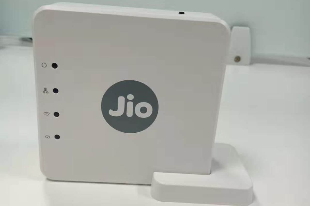 JioFiber Launches the Jio WiFi Mesh Router for ₹2,499